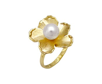 Gold fashion ring with pearl in 14K