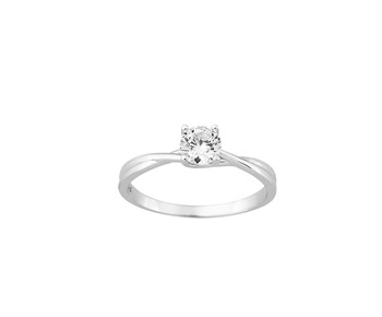 Gold solitaire ring in 14K